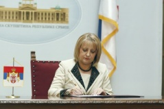 5 April 2012 National Assembly Speaker Prof. Dr Slavica Djukic Dejanovic signs the Decision on calling the elections for President of the Republic